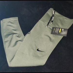 Women's Nike legging